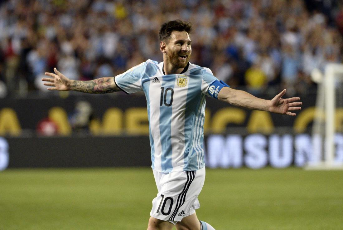 Lionel Messi León Fichaje Mauro Boselli Foto