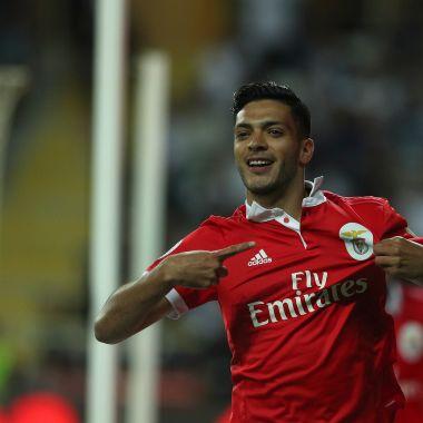 El jugador del Benfica dejaría su actual club para llegar a la Premier League