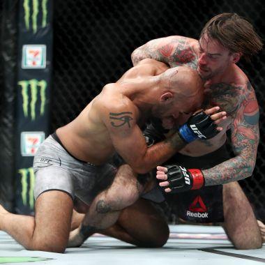 CM Punk Vuelve Perder UFC Continuidad Duda