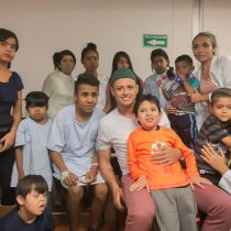 chicharito-hernández-visita-hospital-guadalajara