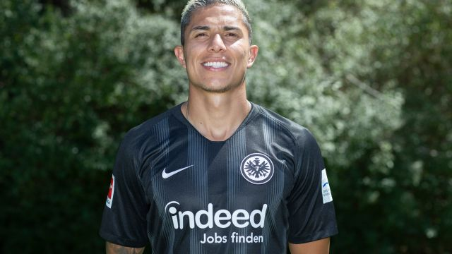 Carlos Salcedo, Abandona, Eintracht Frankfurt, Bundesliga