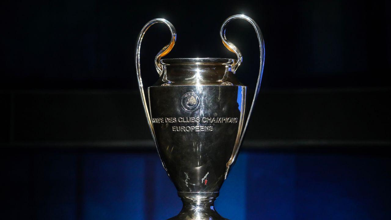 Facebook, UEFA, Champions League, Transmisiones