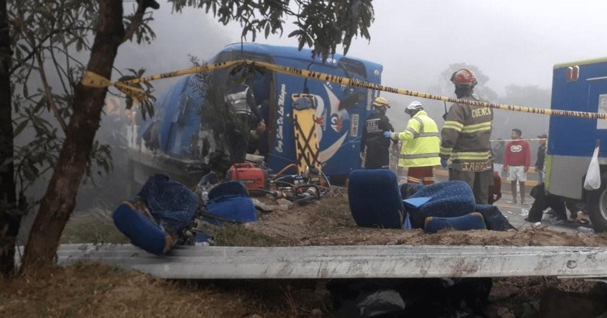 Accidente enluta a 12 familias; bus volcó con aficionados del Barcelona