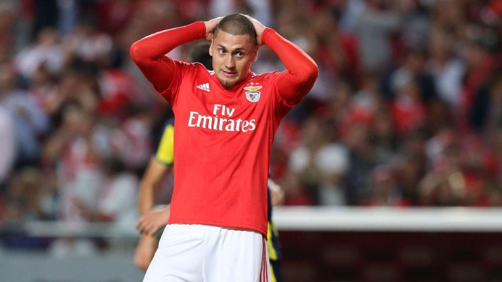 Nicolás Castillo no ha funcionado en el Benfica