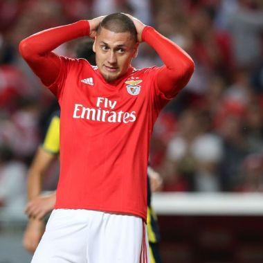 Nicolás Castillo no podrá debutar con el Benfica gracias a la Liga MX