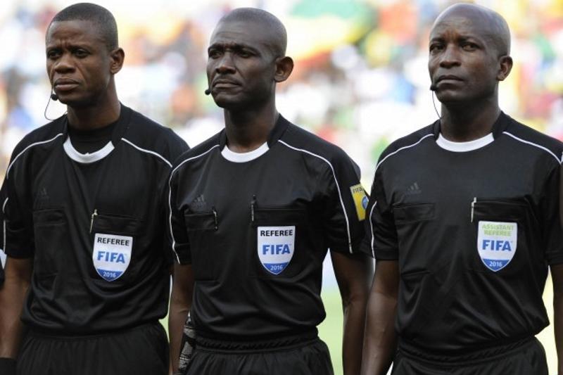 Suspenden Árbitros Africanos Corrupción Confederación Pleyers