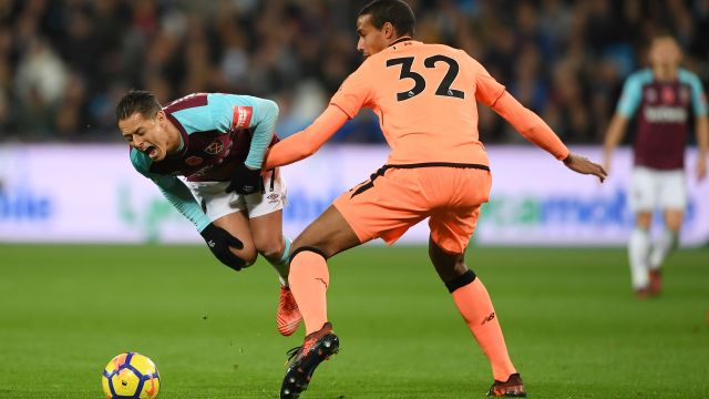 Chicharito Hernández, Enfermedad, West Ham, Premier League
