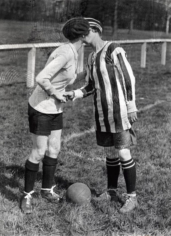 Dick Kerr Ladies, Futbol Femenil, Historia, Pioneras
