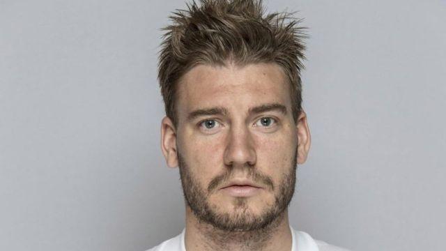 Nicklas Bendtner Exfutbolista Arsenal Agrede Taxista