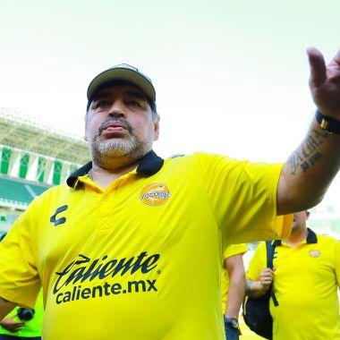 Maradona Prótesis Artrosis Rodillas Los Pleyers