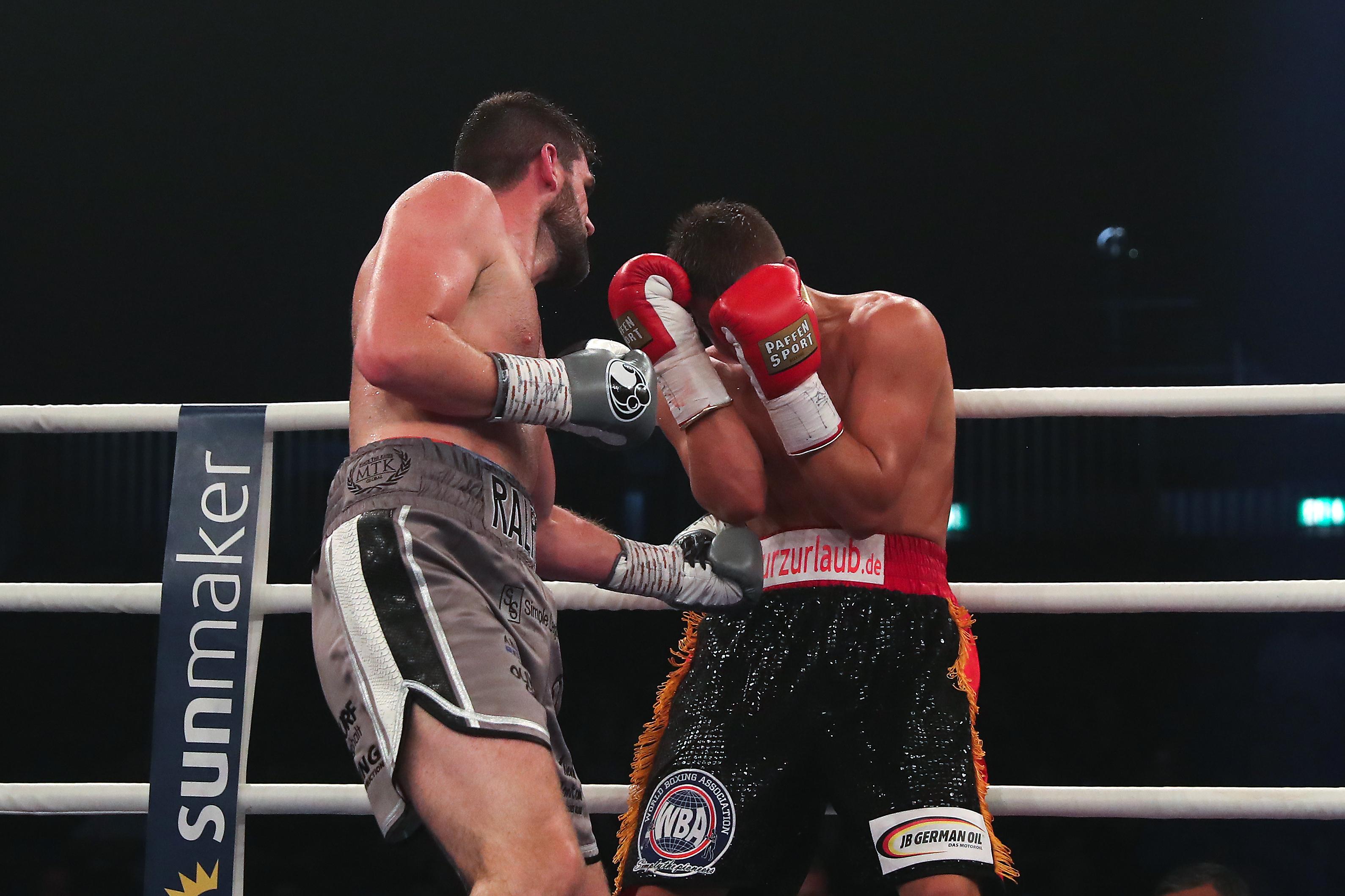 Rocky Fielding, Canelo Álvarez, Rival, Pelea