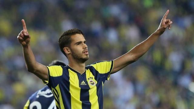 Diego Reyes Anota Gol Fenerbahce Turquía