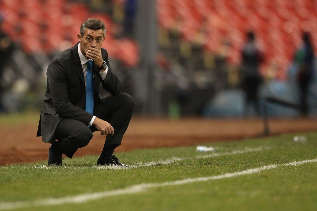Cruz Azul Jugador Molesto Pedro Caixinha