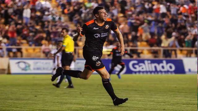 Guillermo Madrigal Refuerzo Chivas Goleador Ascenso