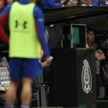 Árbitros aseguran que Toluca NO metió gol ante Chivas