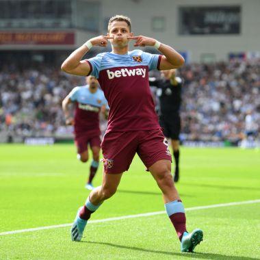 17/08/2019. Chicharito Liga mx Galaxy Mls Los Pleyers, Javier Hernández festeja un gol con el West Ham.