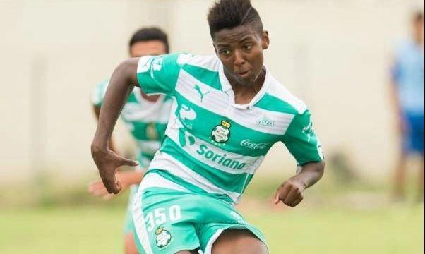 10/01/2020. Joao Maleck Santos Registro Carcel Los Pleyers, Joao Maleck en un juego con Santos.