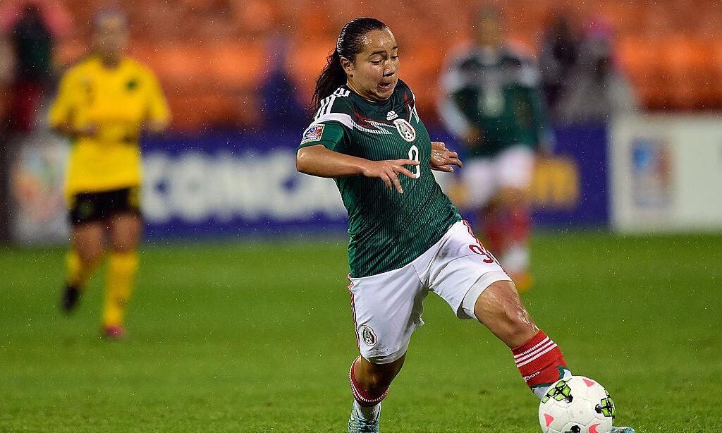 21/10/2014, Christopher Cuéllar aclara ausencia de Charlyn Corral de la Selección Mexicana Femenil