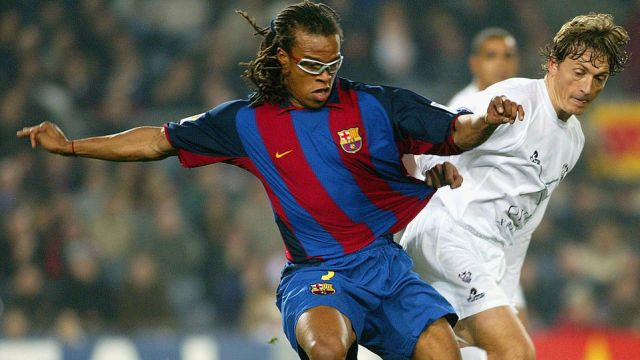 01/02/2004. Edgar Davids, histórico jugador de la Juventus, pasó a la historia por usar unos lentes mientras jugaba