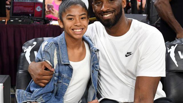 27/07/2019. Kobe Bryant Helicóptero Riesgo Muerte Los Pleyers, Kobe Bryant y su hija en un evento de la NBA.