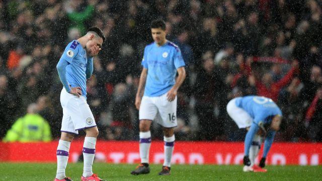 08/03/2020. Premier League Coronavirus Futbolistas Positivo Los Pleyers, Jugadores del Manchester City se lamentan.