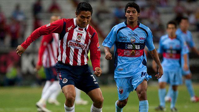 05/02/2011. El exfutbolista del Atlante, Reimond Manco cuenta que fue víctima de secuestro en Cancún.