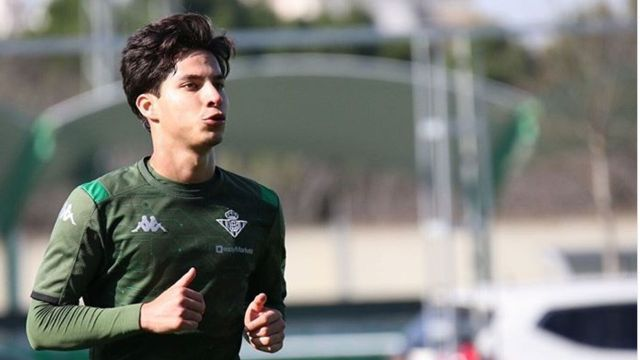 Diego Lainez, cerca de perderse el derbi Sevilla vs Betis 02/06/2020