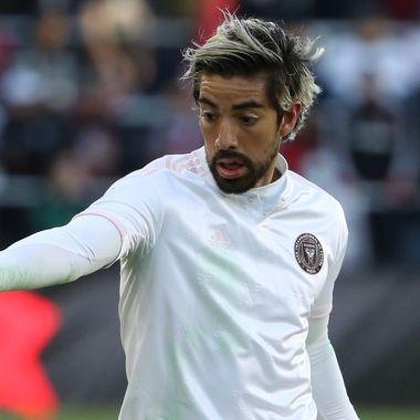 Rodolfo Pizarro confiesa por qué pelea con Carlos Santos y de paso le lanza una crítica 03/06/2020