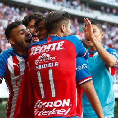 Chivas no puede con las deudas y pone en venta a jugadores 02/06/2020