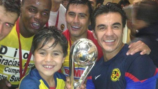 Adrián Uribe se metía a escondidas a jugar con el América y confiesa que siempre quiso ser futbolista 15/07/2020