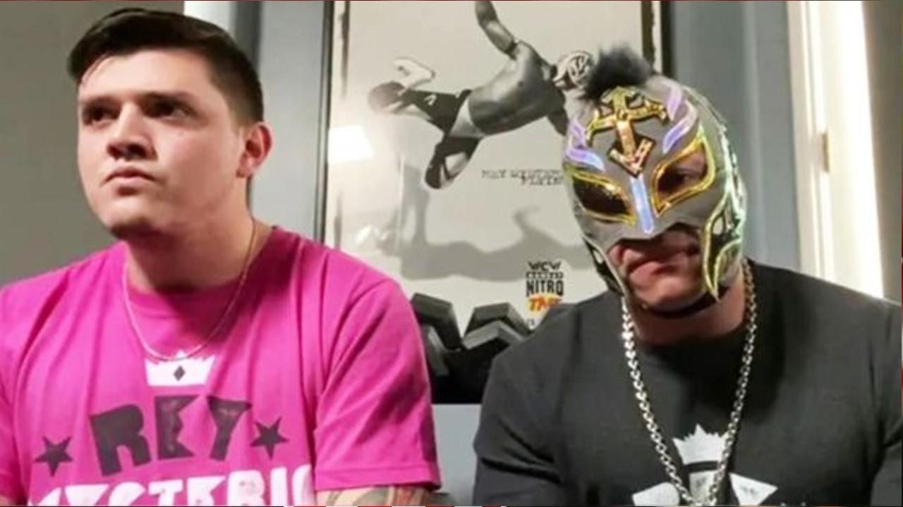 Dominik, hijo de Rey Mysterio, peleará contra Seth Rollins 27/07/2020