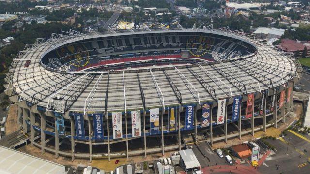¿Por qué el Estadio Azteca está dividido en cuatro partes?