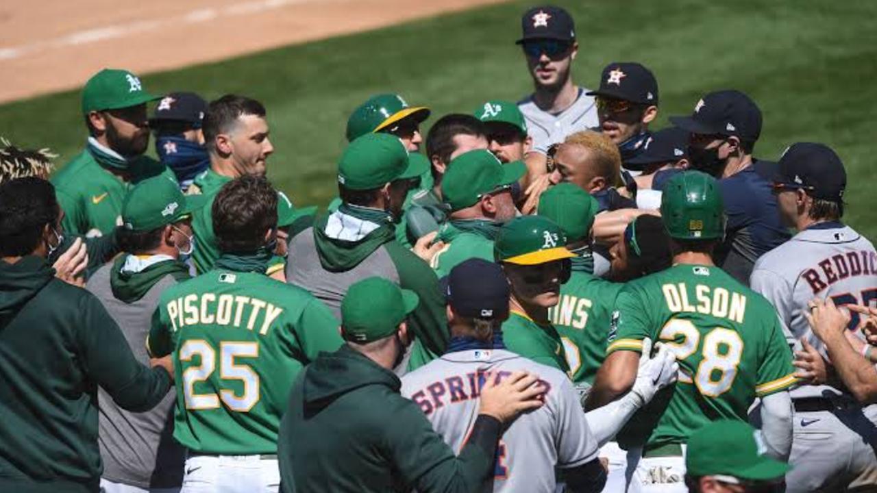 Foto Humberto Castellanos provoca pelea en el Houston Astros vs Oakland Athletics de la MLB