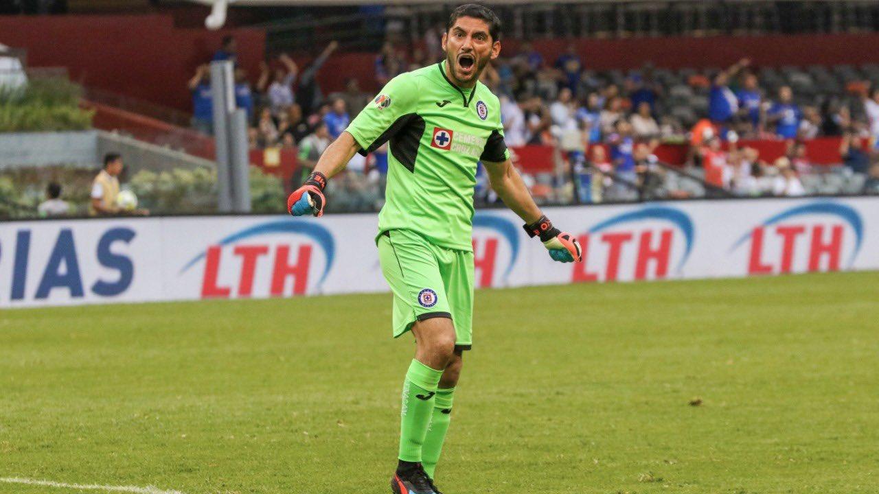 Jesús Corona explota contra Baca y lo insulta en pleno partido contra FC Juárez