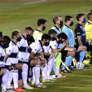 Jugadores de la MLS se arrodillan tras caso de Jacob Blake