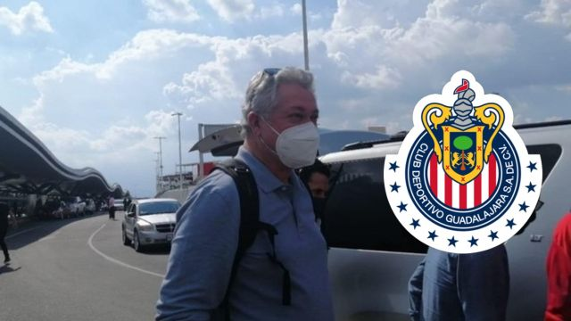 Víctor Manuel Vucetich llega a Chivas para firmar contrato