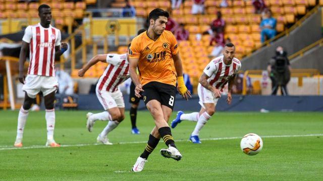 Raúl Jiménez adelanta al Wolverhampton en la Europa League [Video]