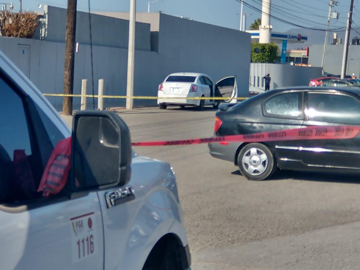 """Auto en el que José """"Gallito"""" Quirino fue atacado a balazos"""