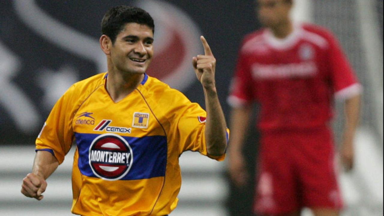 Javier Saavedra con Tigres