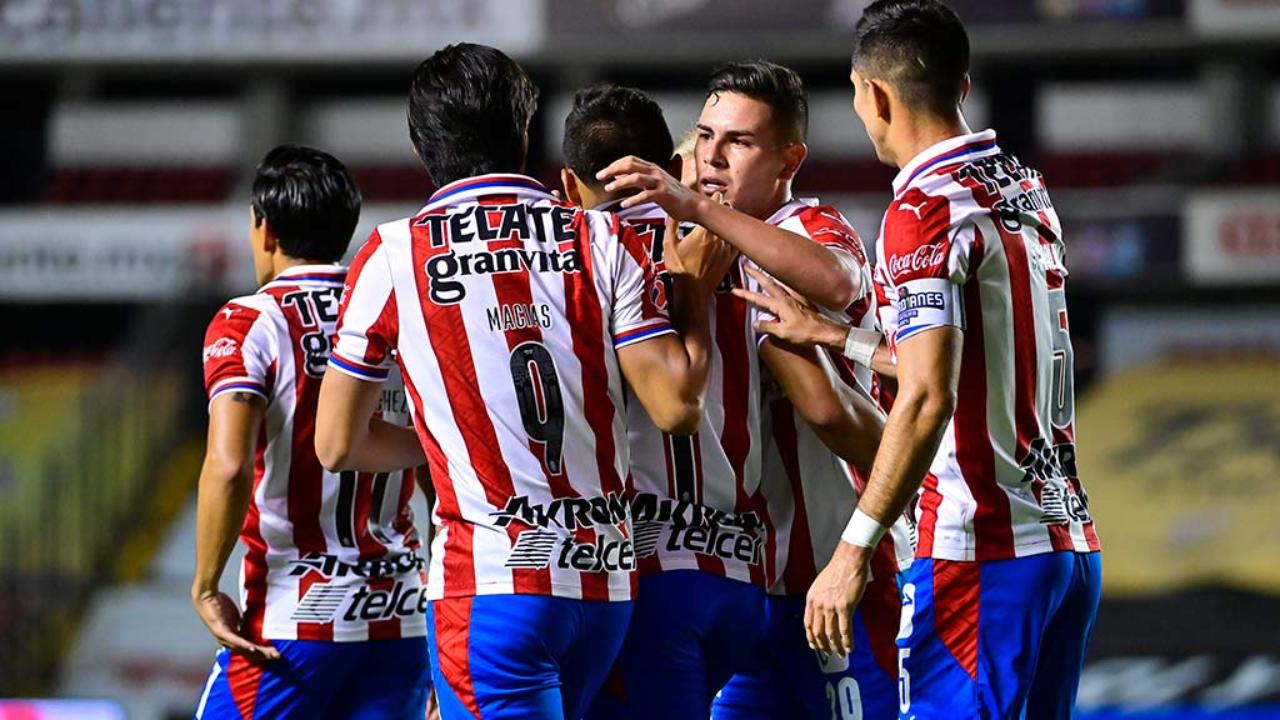 Chivas vs Querétaro gol JJ Macías