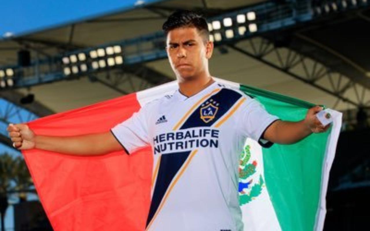 Efraín Álvarez Selección Mexicana