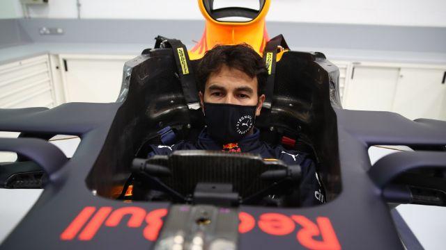 Checo Pérez entrenamiento Red Bull Fórmula 1