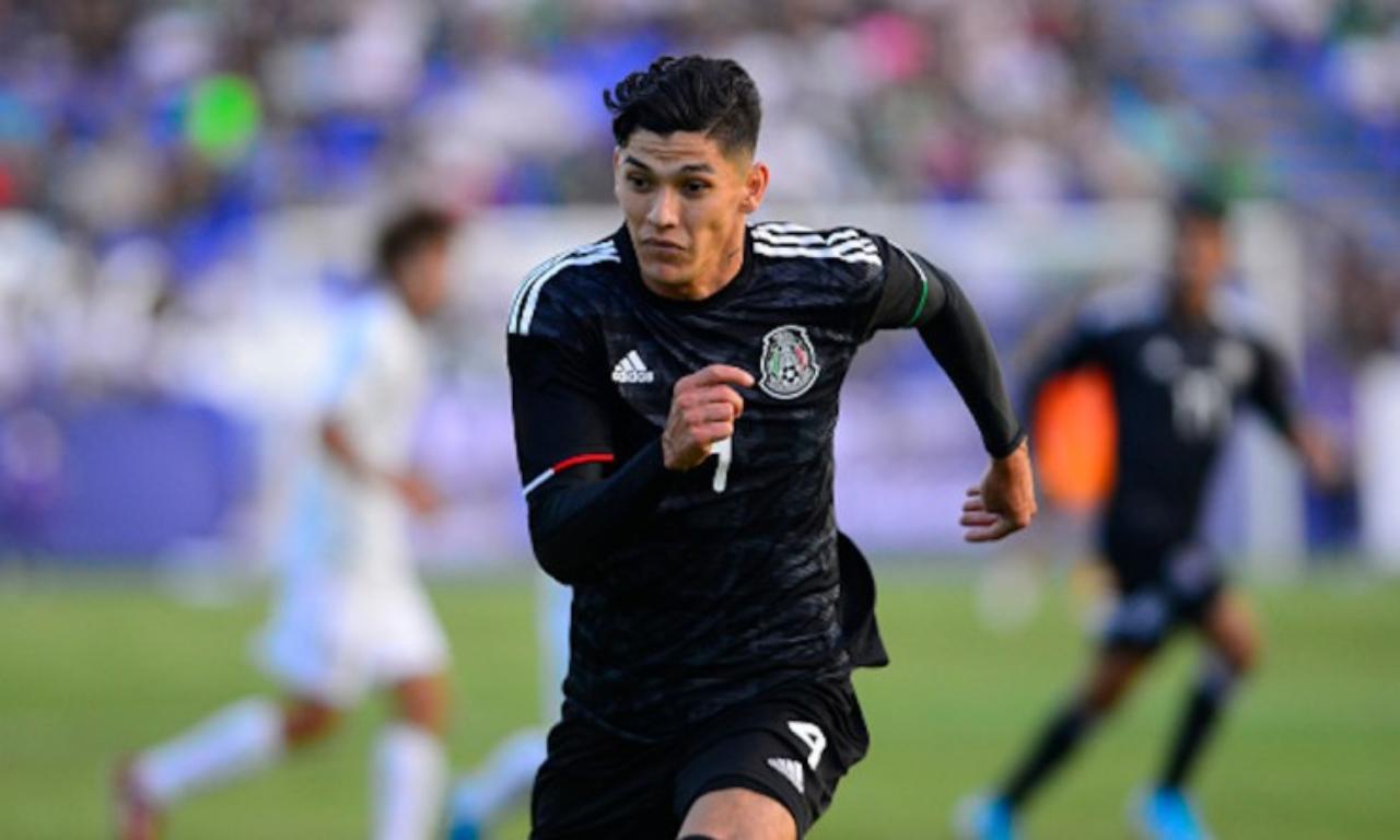 Gerardo Arteaga dice futbolista mexicano se queja de todo