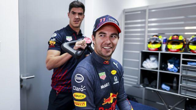 Checo Pérez adaptación Red Bull F1