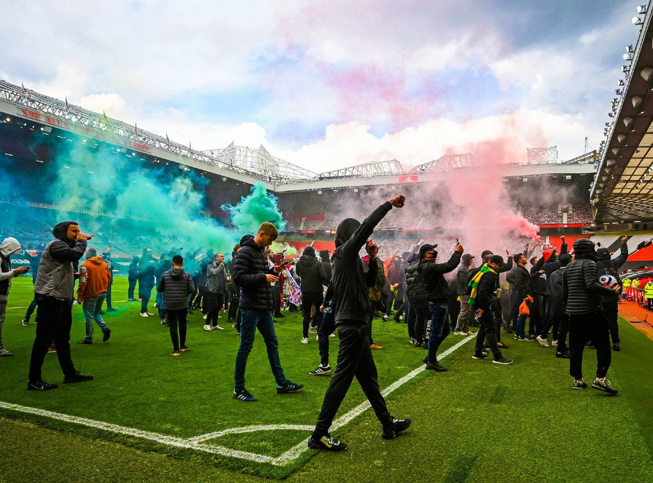 Manchester United Liverpool cancelado manifestaciones