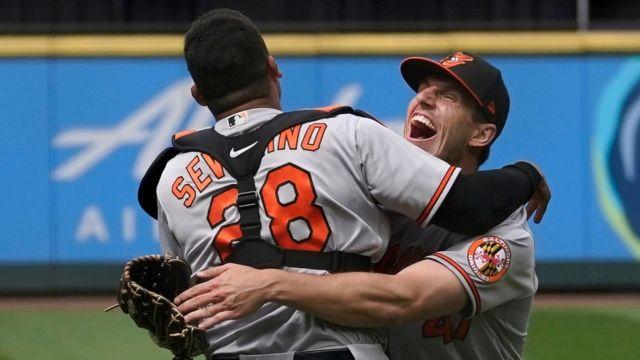 John Means Orioles logro hit ni carrera