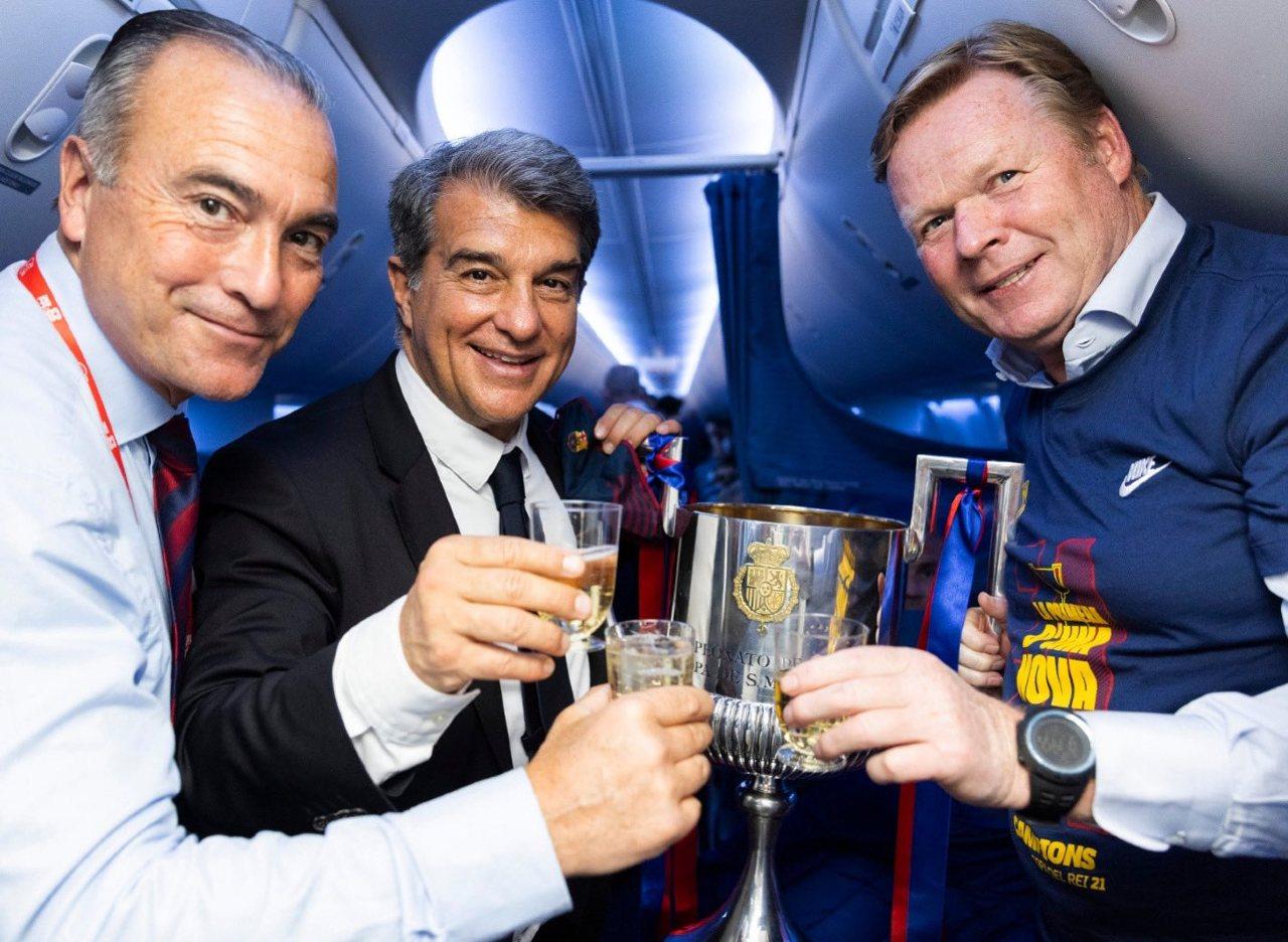 Barcelona Ronald Koeman continúa técnico