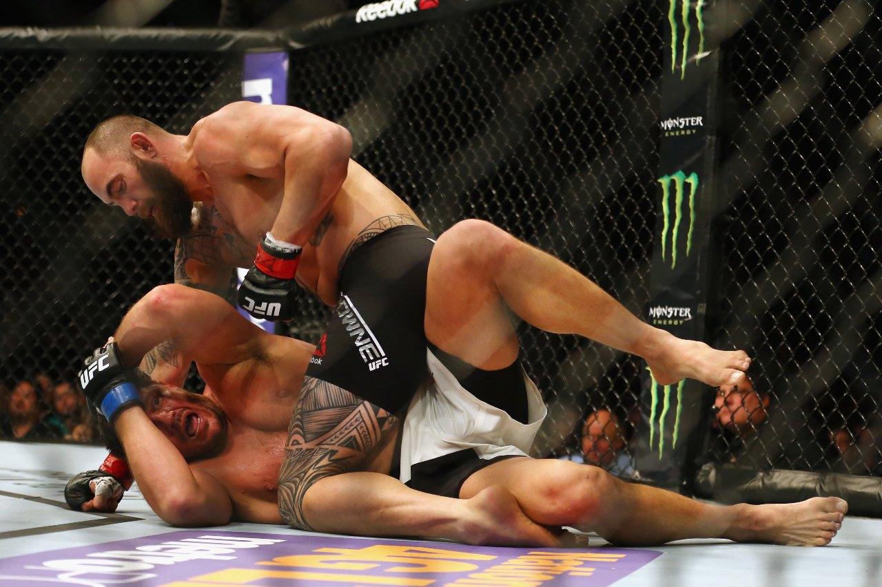 UFC Matt Mitrione lesión ojo Travis Browne