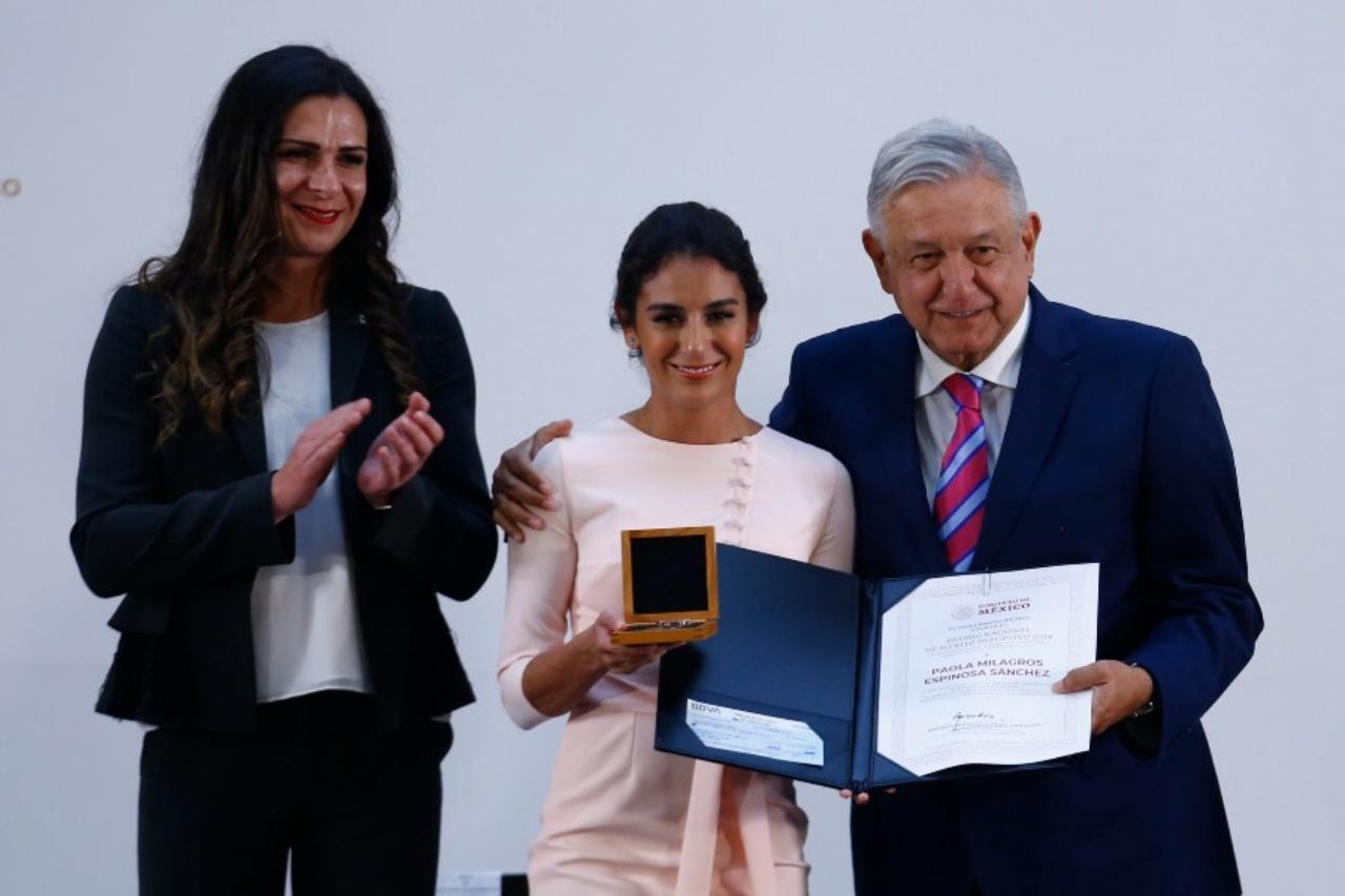 Paola Espinoza Ana Gabriela Guevara