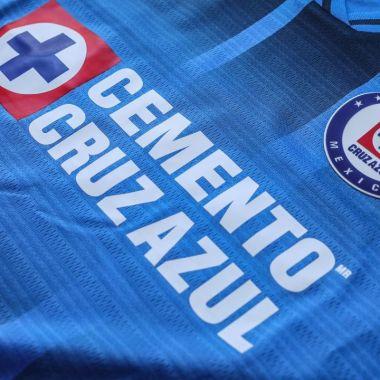 imágenes del Cruz Azul nuevo uniforme liga bbva mx